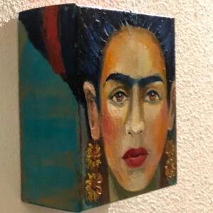 Frida 2 | olieverf | 20x20x10cm